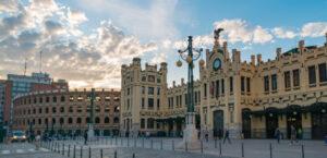 Conoce la historia estacion tren de Valencia